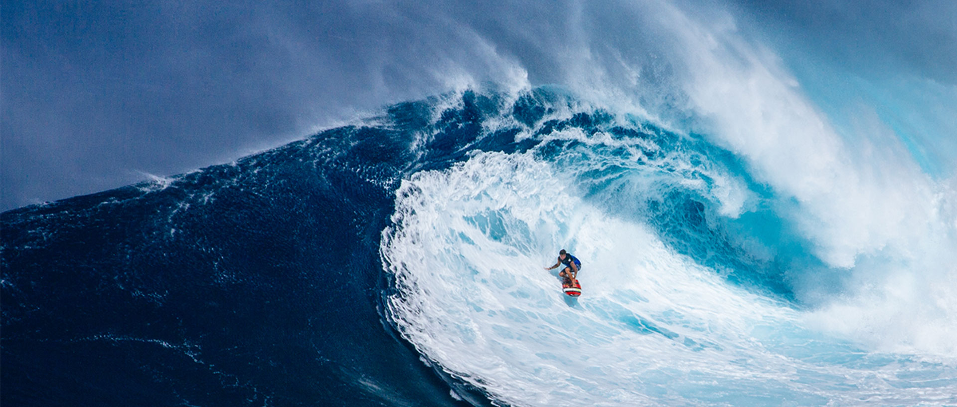 discover and surf on lanzarote s many waves calimasurf